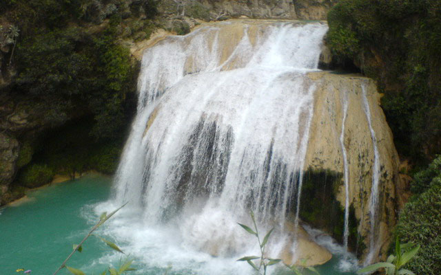 http://todochiapas.mx/wp-content/uploads/2012/04/cascadas_el_chiflon_1_9.jpg